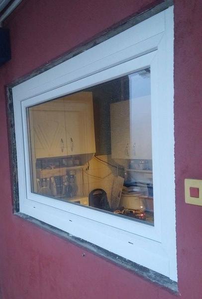 Panel konyha ablak