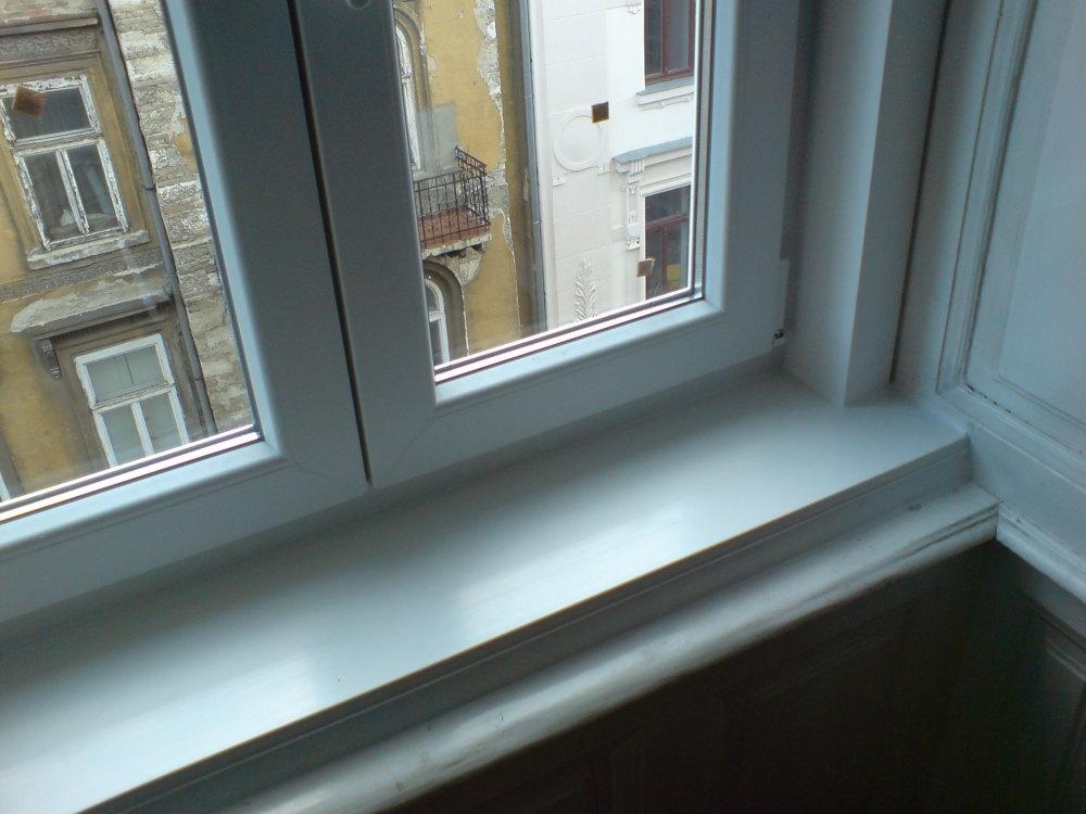 Műanyag ablakpárkány, műanyag könyöklő