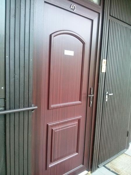 mahagóni ajtó